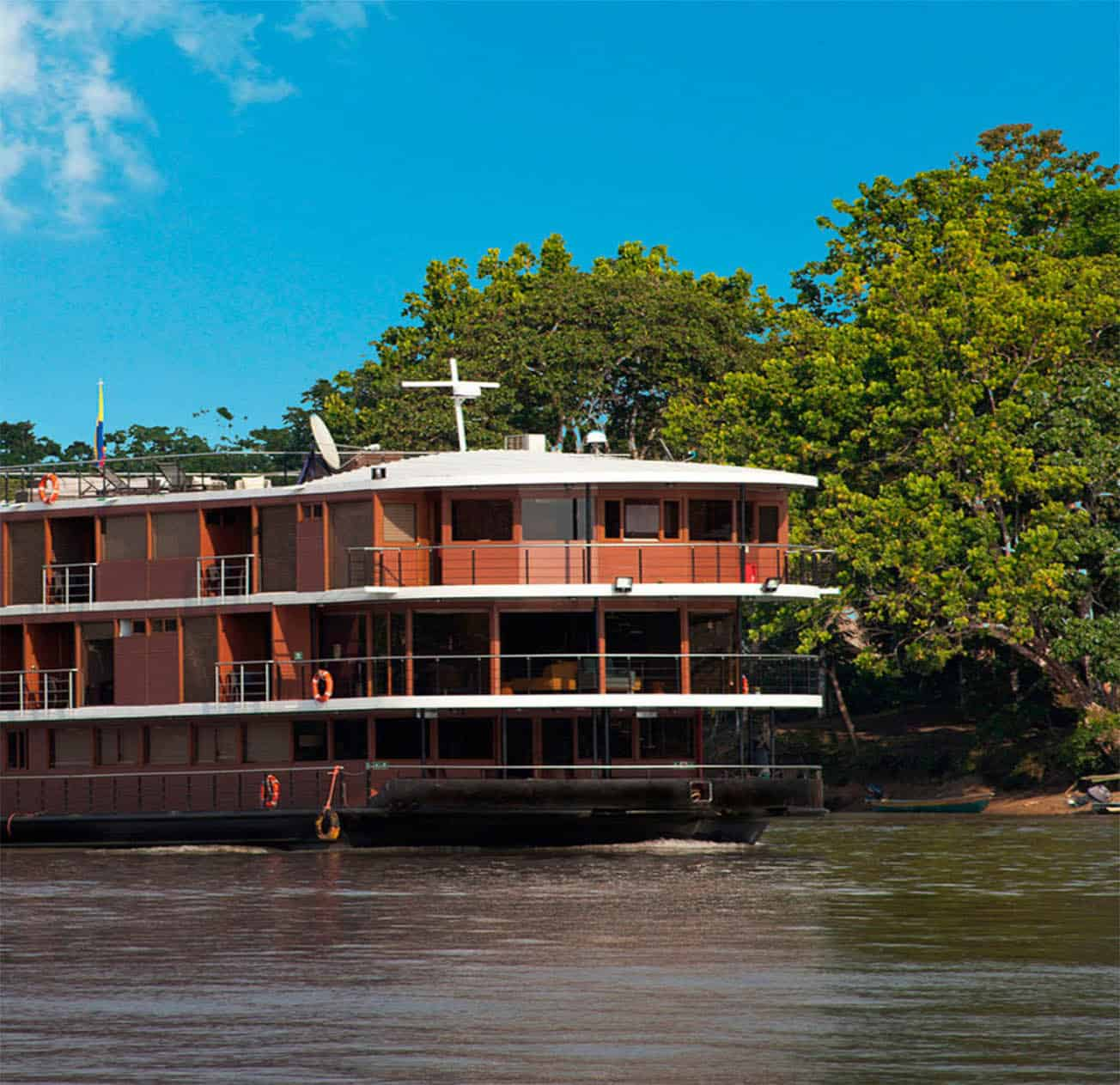 luxury cruise manaus