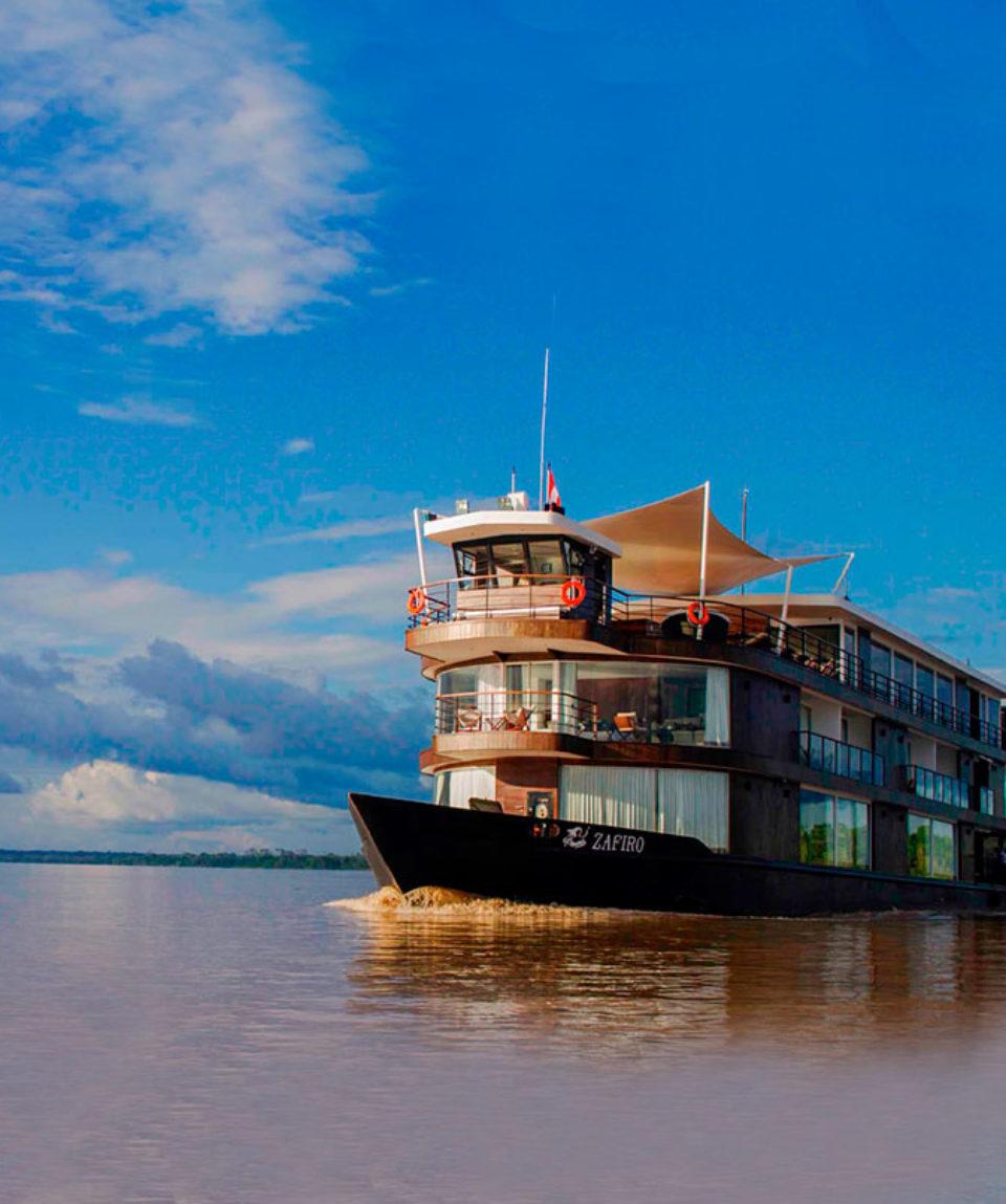 zafiro-amazon-cruise-peru