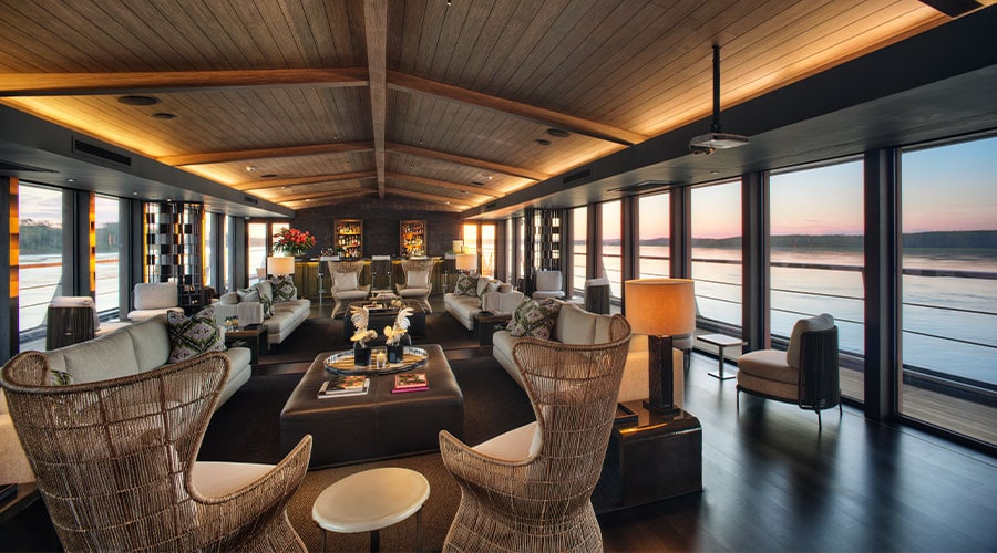 Aqua Nera Main Lounge